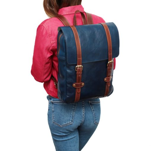 Leder Rucksack Urban blau Outfit Mädchen