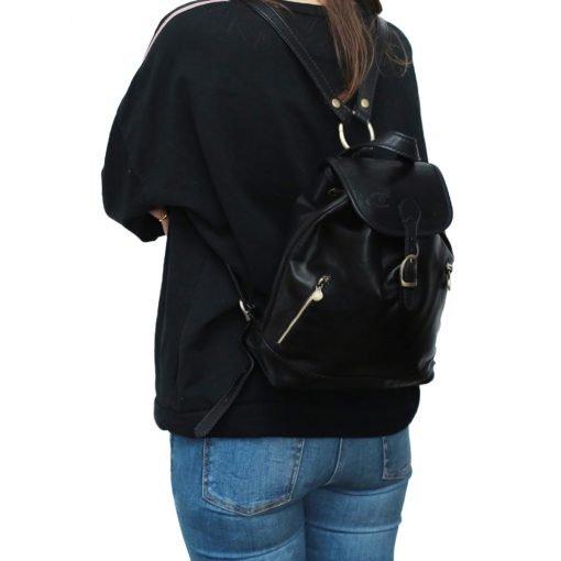 kleine leder rucksäcke damen schwarz outfit mädchen