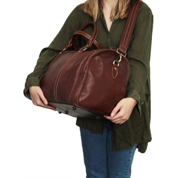 reisetaschen aus leder braun mit rollen Outfit Mädchen